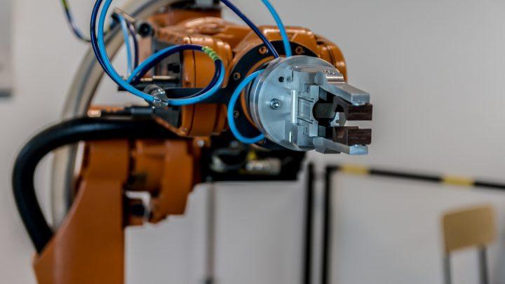 W jakim stopniu rozwój świata wpływa na automatyzację firm?